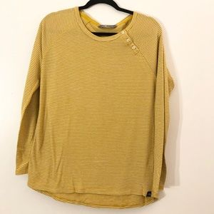 THE NORTH FACE KNIT SHIRT SIZE LARGE